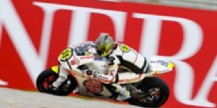 El equipo de Marco Simoncelli se lleva la carrera de Moto2 en Valencia