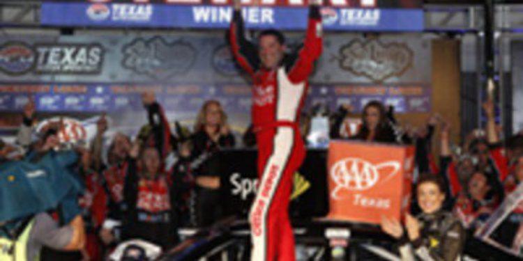 Tony Stewart añade tensión a la Sprint Cup