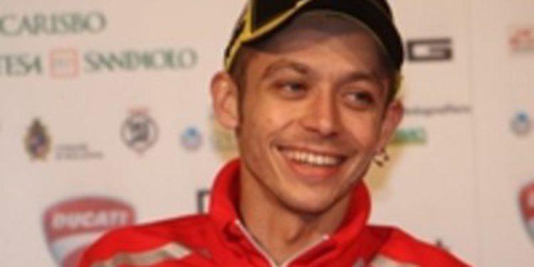"""Rossi: """"Dentro de unos años podría correr en Superbikes"""""""