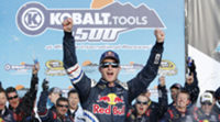 Kasey Kahne le da la victoria a Red Bull en Phoenix