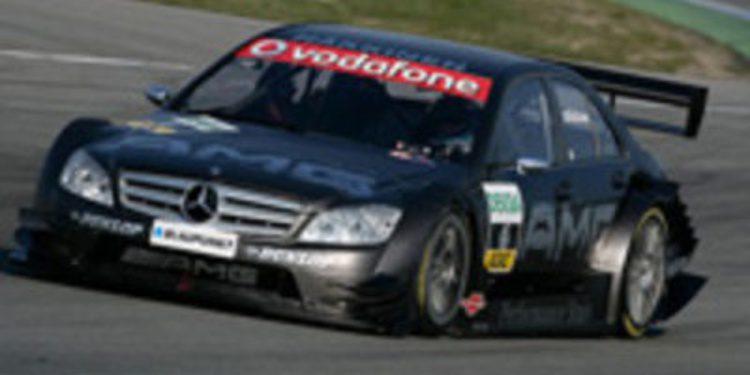 Mika Häkkinen prueba el Mercedes C-Coupe por segunda vez