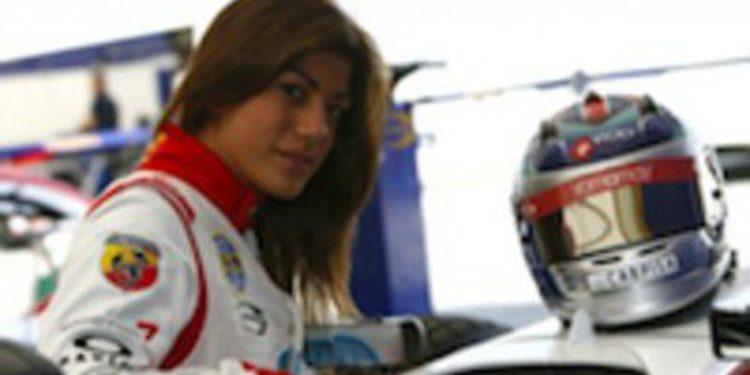 Vicky Piria, primera mujer piloto en GP3, firma con Trident para 2012