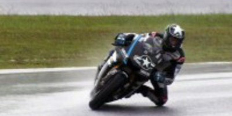 Spies domina con lluvia y sin Hondas en la segunda jornada de test