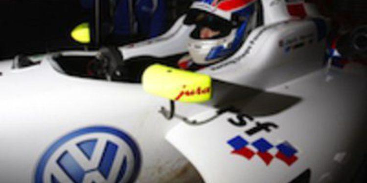 Carlin pone la directa en los test de la F3 Británica