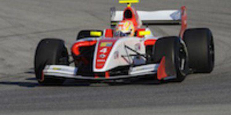 Robin Frinjs domina los primeros test en 2012 de la Fórmula Renault 3.5