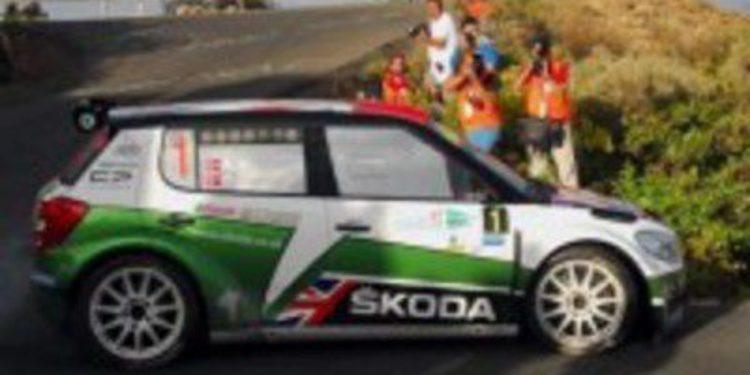 Andreas Mikkelsen regala el liderato a Kopecky en la primera etapa