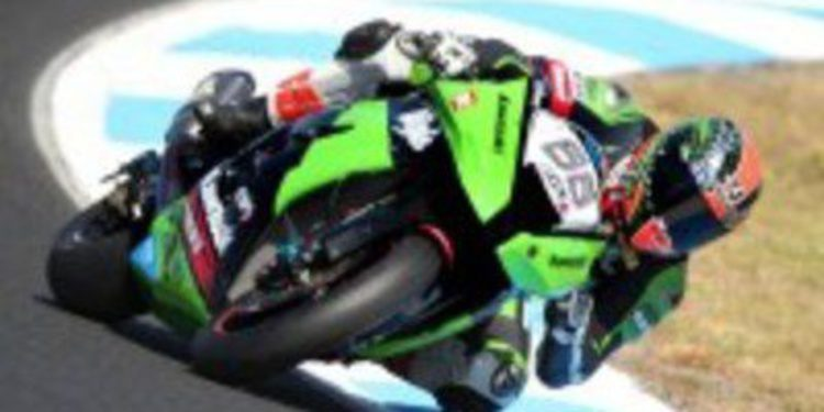 Kawasaki arrasa en la primera jornada de test en Motorland