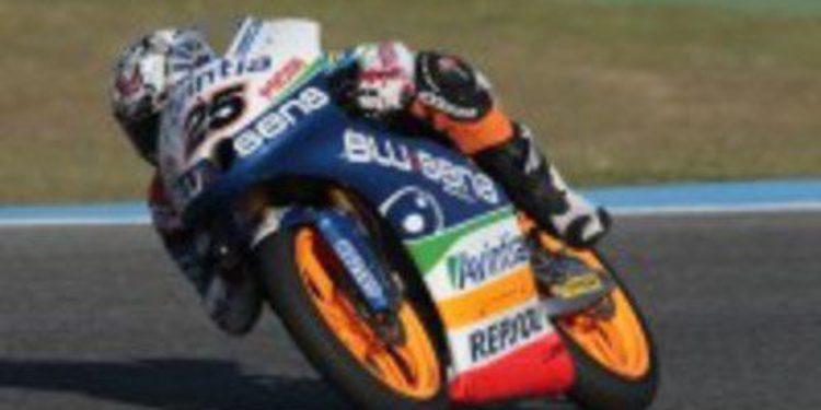 Los pilotos Repsol Moto3 cuentan su desarrollo en la primera jornada de test