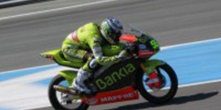 Maverick Viñales cierra los test de Moto3 imponiendo su ley
