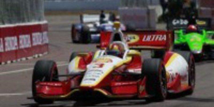 Helio Castroneves gana en Florida por delante de Scott Dixon