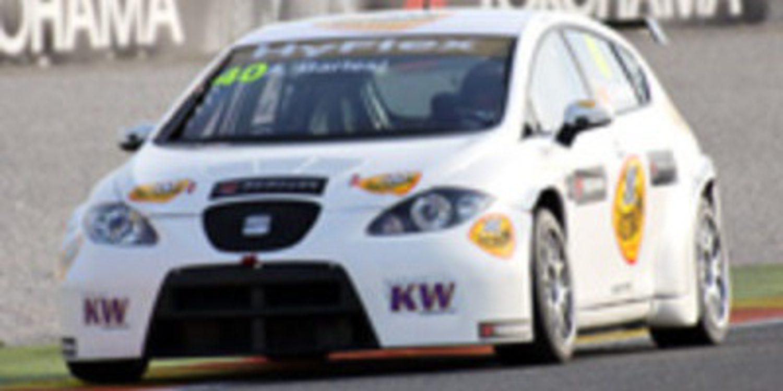 Yvan Muller se hace con la pole en Valencia
