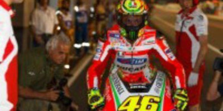 Casey Stoner marca la pauta en el Warm Up de MotoGP
