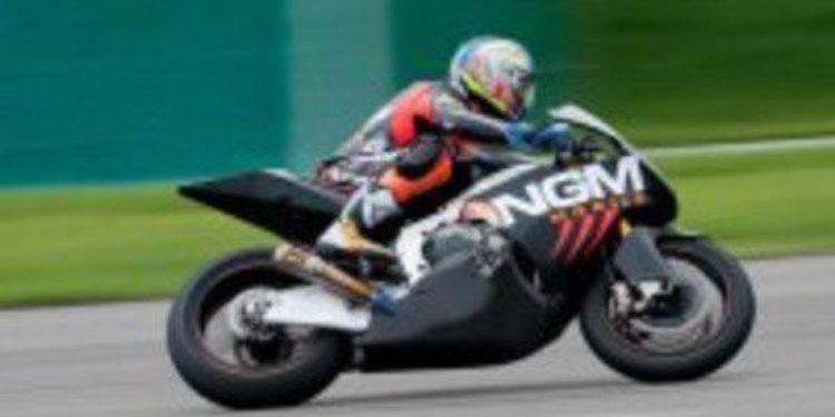 Alex De Angelis prueba la MotoGP CRT de Forward Racing
