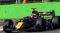 Carlos Sainz Jr. machaca y se lleva la pole de la carrera 1