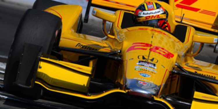 Ryan Hunter-Reay se lleva la pole en Long Beach