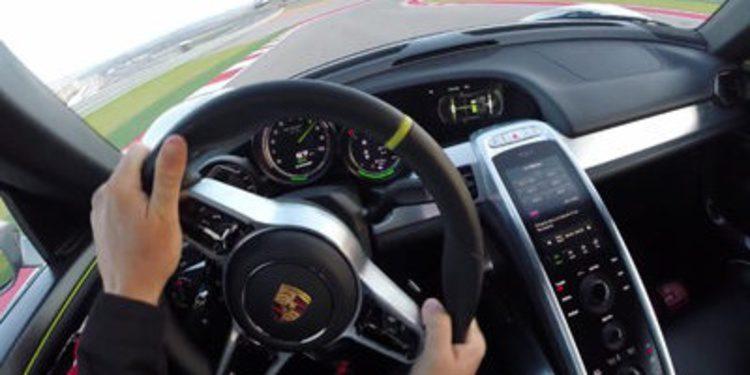 Un Porsche 918 Spyder vuela en el Circuito de las Américas