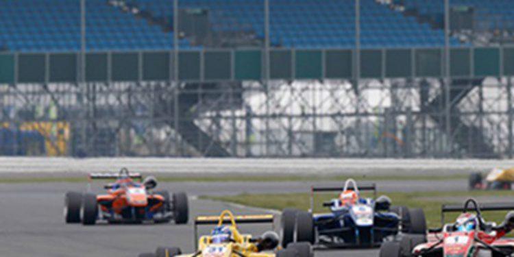 Las mejores imagenes de la F3 en Silverstone