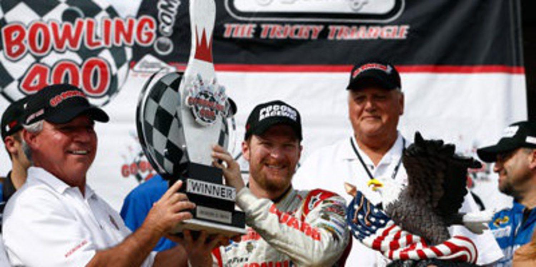 Dale Earnhardt Jr. consigue el doblete en Pocono