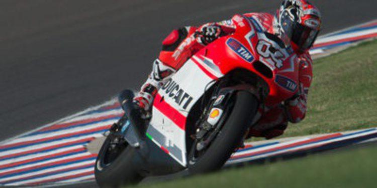 Tres neumáticos delanteros para MotoGP en todo 2014