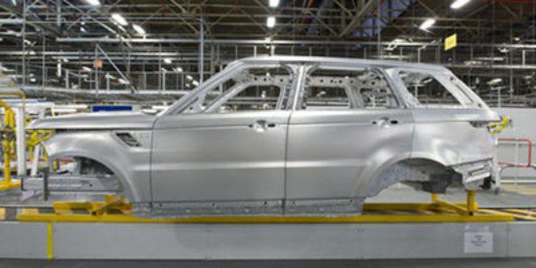 Land Rover muestra su uso del aluminio a la competencia