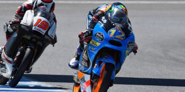Alex Márquez saca pecho en el warm up de Moto3 en Jerez
