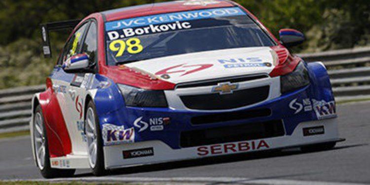 Dusan Borkovic pierde la pole en la segunda carrera