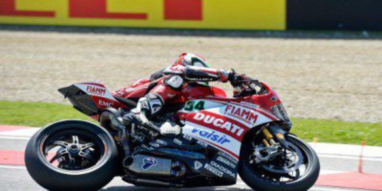 Giugliano lidera la FP1 de Superbike en Imola