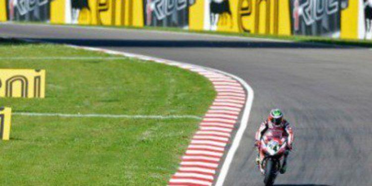 Davide Giugliano marca el mejor tiempo en la FP3