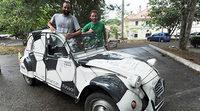 Dos amigos franceses viajan hasta Brasil en un Citroën 2CV