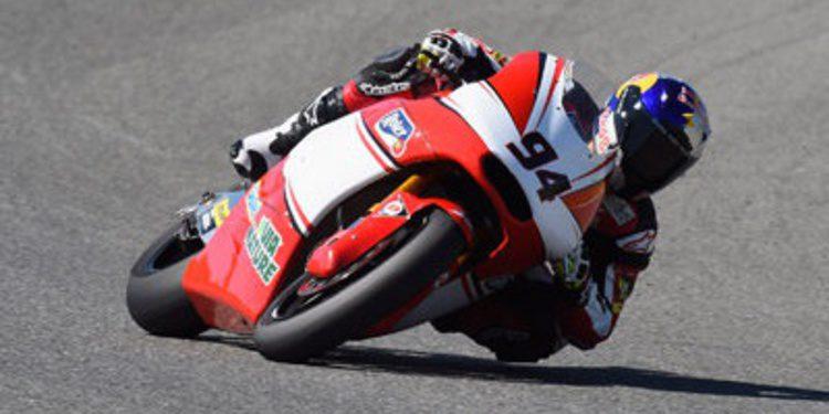 Jonas Folger estrena su palmarés de poles en Moto2