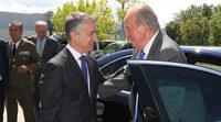 El Rey Juan Carlos I visita la planta de Mercedes en Vitoria