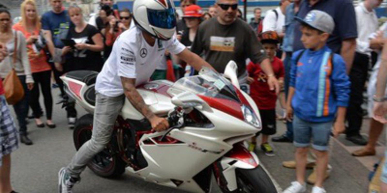 La MV Agusta F4 RR de Lewis Hamilton es única
