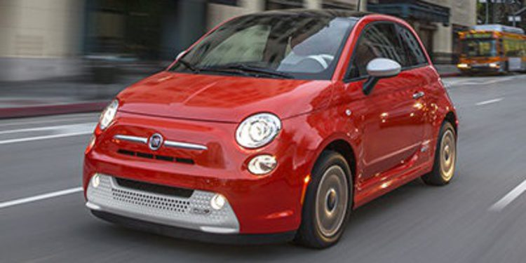 El CEO de Fiat pide que no se compren más 500e