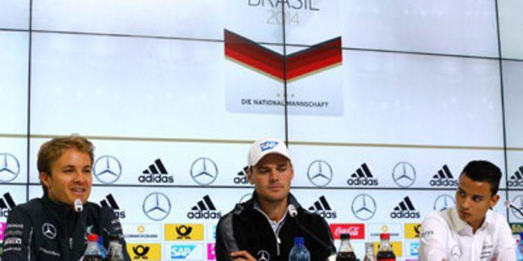 Pascal Wehrlein y Nico Rosberg inmersos en un accidente