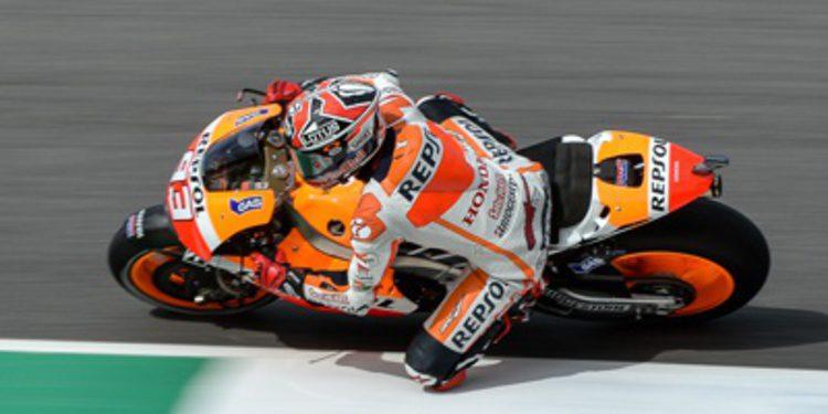 Marc Márquez pole de MotoGP en Mugello con Iannone rasgando el guión