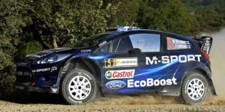 Mikko Hirvonen líder del Rally de Cerdeña en la noche de Cagliari