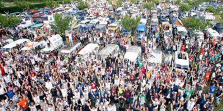 La 'FurgoVolkswagen' reune más de 6.000 furgonetas