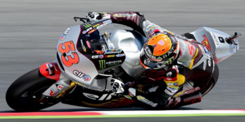 Moto2 se rinde a la autoridad de Tito Rabat en Barcelona
