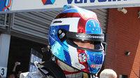 Yvan Muller gana la primera carrera en Spa
