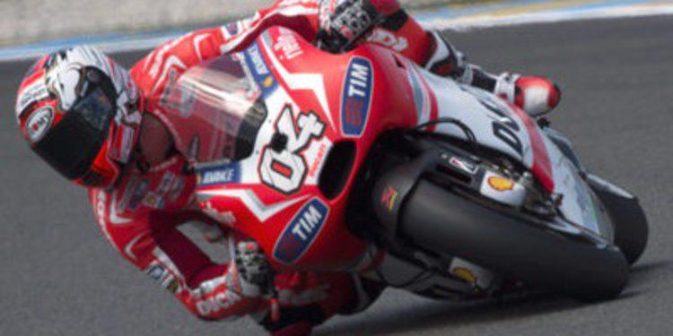 Andrea Dovizioso renueva por dos años con Ducati