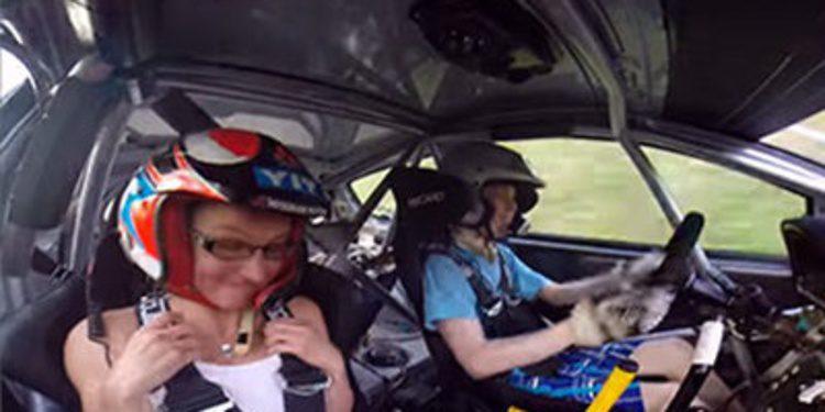 Niño de 13 años impresiona con sus habilidades al volante