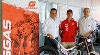 Adam Raga renueva por tres temporadas con Gas Gas