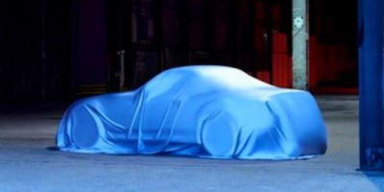 Mazda muestra el nuevo MX-5 tapado con una lona