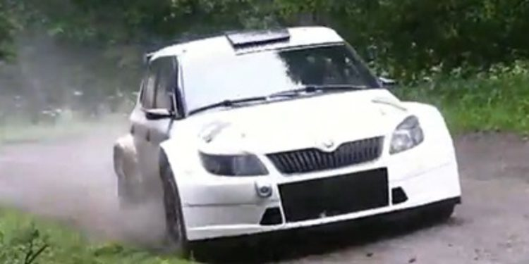 Test sobre asfalto del Skoda Fabia R5 con Jan Kopecký