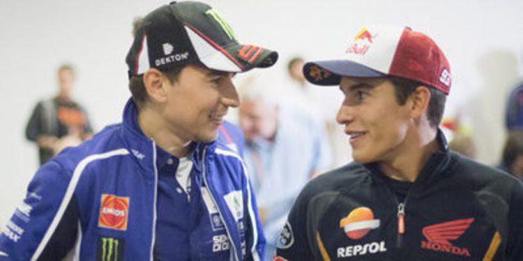 Apretado FP1 de MotoGP en Brno con Marc Márquez arriba