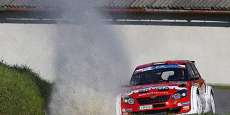 Skoda en QS y Peugeot en el primer tramo del Barum Rally