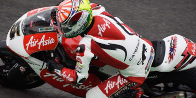 Johann Zarco supera el agua de Misano en el FP1 de Moto2