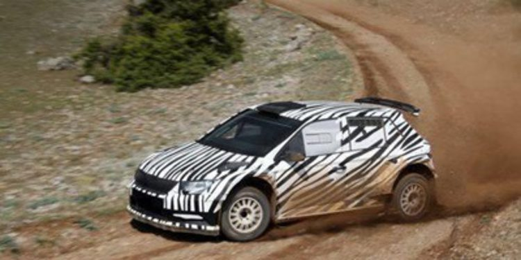 Toyota prueba el Yaris WRC y Skoda estrena el Fabia R5