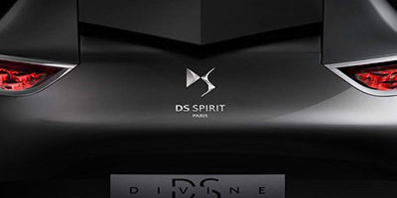La marca DS se estrena en París por todo lo alto