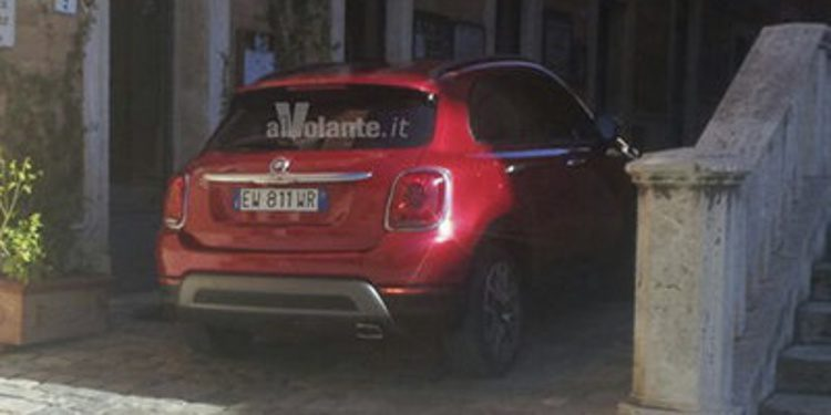 Cazada la parte posterior del Fiat 500X